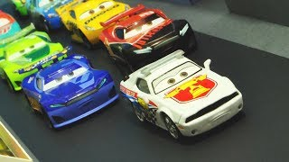 Disney Cars 3 : Piston Cup Pace Car! Pat Traxson - StopMotion