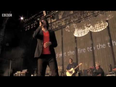 Snow Patrol - Set The Fire To The Third Bar (T In The Park 2009)