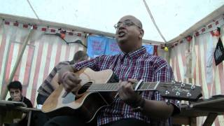 Gambar cover WHITE TOWN - Your woman (live Indietracks Festival) (31-7-2011)