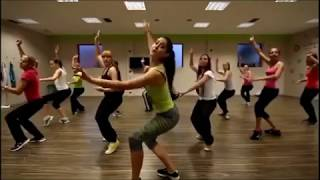 """Girls' Zumba dance to """"Try Me I Know We Can Make It"""" by Donna Summer"""
