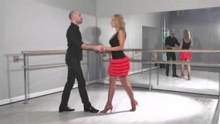 Смотреть онлайн Урок для начинающих: как танцуют ча-ча-ча