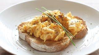 How To Make Scrambled Eggs | Perfect Fluffy Scrambled Eggs Recipe