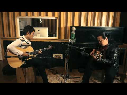 Christmas Medley - Cao Minh Đức ft. Duy Phong [Acoustica Live Session]