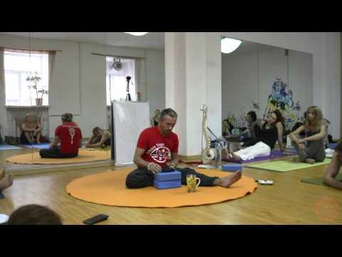 Ишвара-йога. Анатолий Зенченко. О стойке на голове и Йоге с большой буквы Й.