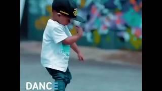 Маленький денсер!!!!Супер!!!Танец маленького мальчика!!!