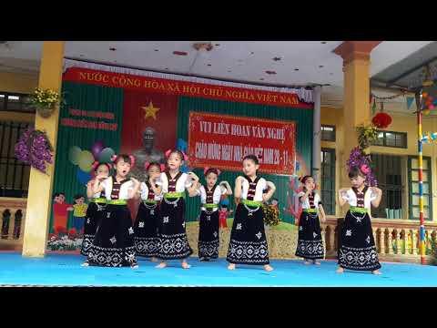 Lớp 5tB vui liên hoan văn nghệ chào mừng 20/11