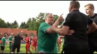 Смотреть онлайн Тренер симулянт на любительском матче по футболу