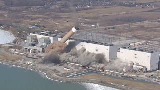 Smoke stacks toppled at Ontario coal plant: Daily Planet