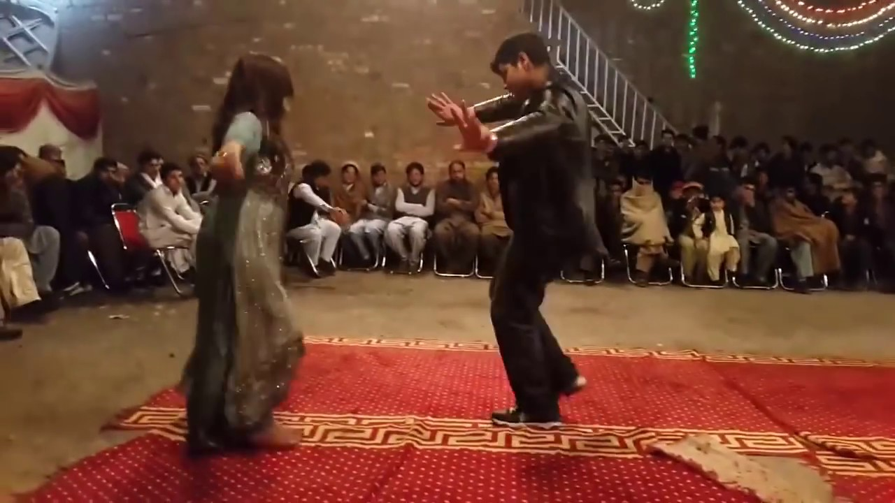 Pashto New Songs 2016 Gull Panra Pashto Mast Dance