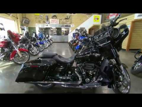 2015 Harley-Davidson CVO™ Street Glide® in South Saint Paul, Minnesota - Video 1