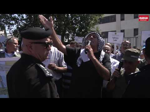 فيديو| مزارعو الدواجن يحتجون امام مجلس الوزراء