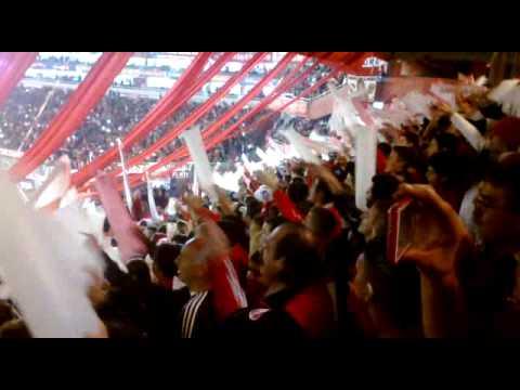 """""""""""Siempre voy descontrolado y copamos en todos lados..."""" Previa del partido"""" Barra: La Barra del Rojo • Club: Independiente"""