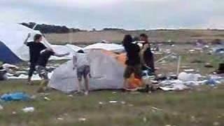 preview picture of video 'Nova rock 07 - Zelt Zerstörung'