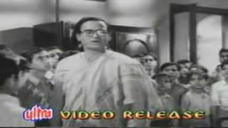 Hum Laye Hain Toofan Se Kisti Nikal Ke, Ish Desh   - YouTube