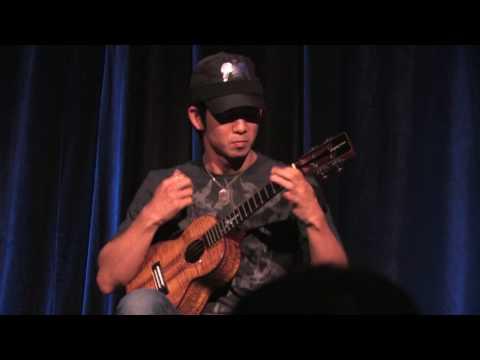 אשף היוקללה - כלי נגינה טרופי מהוואי