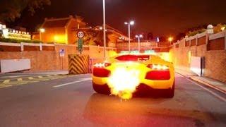 Lamborghini Aventador scoate flacari