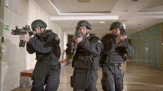 Policie radí, jak se chovat při útoku aktivního střelce - Utíkej, schovej se, bojuj!