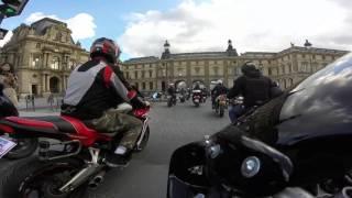 Manif FFMC 17/04/16 - Passage a travers le Louvres