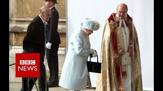 Royal wedding:  the Queen arrives- BBC News