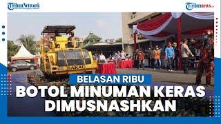 Belasan Ribu Botol Minuman Keras Dimusnahkan di Mapolsek Pulogadung Jakarta Timur