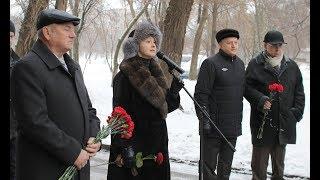 Ольга Бабенко вместе с жителями Кривого Рога почтила память Григория Гутовского у дома, в котором он жил
