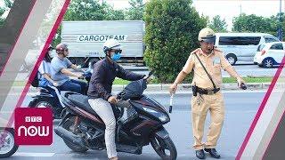 Những pha áp sát xử phạt gay cấn của CSGT | VTC Now