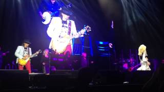 "Dolly Parton performing ""Lay your hands on me"" with Richie Sambora from Bon Jovi live at #"