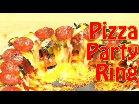 Party Food Ideas: How to Make Cheesy Pepperoni and Meatball Pizza Party Ring! | Food Porn