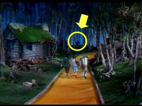 Der Zauberer von Oz | Wizard of Oz | Was steckt dahinter! Munchkin Hangs Himself? German  | HD