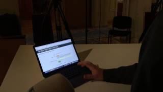 Замглавы БПП показал на компьютере, как глючит реестр деклараций