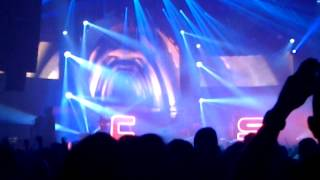 Chase & Status - Lost & Not Found ft. Louis M^ttrs Live