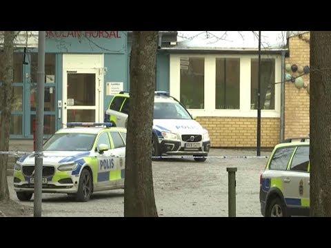 DIREKTE: Eksplosjon ved t-banestasjon utenfor Stockholm (SVT)