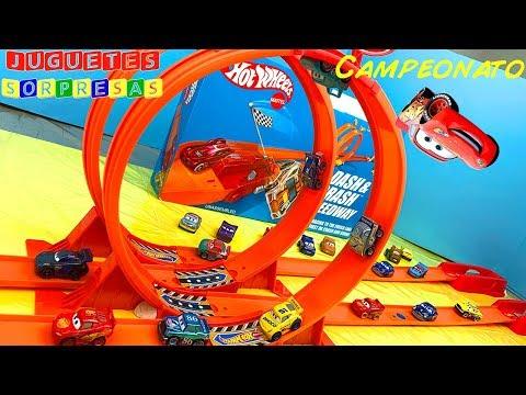 DISNEY CARS MINI RACERS CAMPEONATO  Carros de Carrera para niños  Pista de Coches