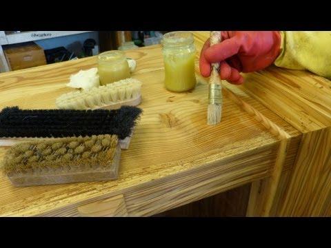 Wachsen von Holz, Wachspolitur , Bienenwachs auftragen und polieren