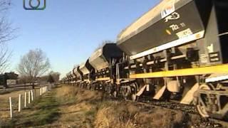 preview picture of video 'Tren de tolvas mineras de NCA saliendo de Oncativo'