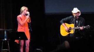 Brad Paisley & Carrie Underwood - Remind Me (PlayStation Theater NYC)