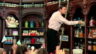 The Candy Man - Willy Wonka and the Chocolate Factory [HD] w/ Lyrics (Captions)