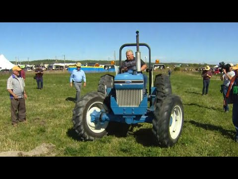 Premier Ford joins politicians at annual plowing match