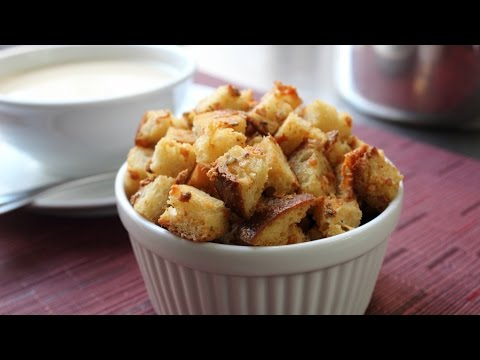 """""""Bluetons"""" Crispy Blue Cheese Croutons – How to Make Blue Cheese Croutons"""