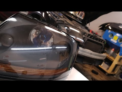 Audi TT8N Front zerlegen, Fehlersuche am Scheinwerfer