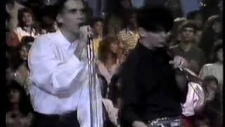 """Titãs - """"Marvin"""" e """"Não vou me adaptar"""" no Globo de Ouro, 1988"""