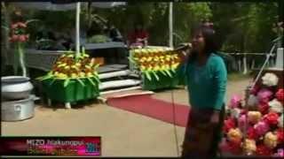F. Lalzamliani - Awmkhua A Har Mang E (Live)