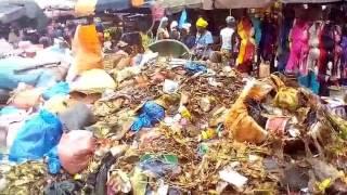 Insalubrité à Conakry: les images choquantes d'un marché...