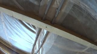 Подготовка потолка в бане для отделки вагонкой // Жизнь в деревне