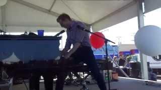 Andrew McMahon in the Wilderness -  Halls (live)
