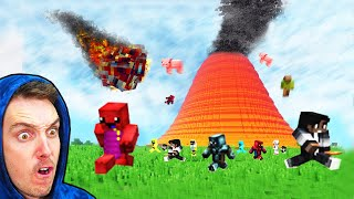 100 Minecraft Players vs NATURAL DISASTERS