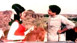 Jeetendra & Poonam Sinha's Fight - Jeetendra, Mumtaz