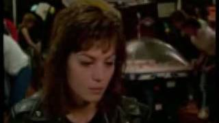Joan Jett - Rabbit´s Got The Gun