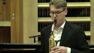 Lan Meden plays Divertimento by Roger Boutry
