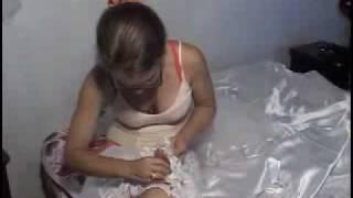 preview picture of video 'Artesana de trajes de bodas y quinces de Sancti Spíritus'